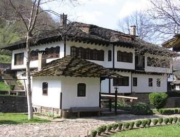 Нерухомість Болгарії: чи вигідні інвестиції в сільські будинки